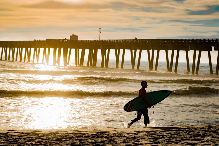 Surfing: could it be just a phase? | Photo: Claborn/Creative Commons