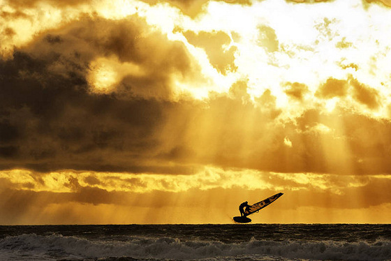 Windsurfing: the 2012 PWA World Tour champions head into the sunset