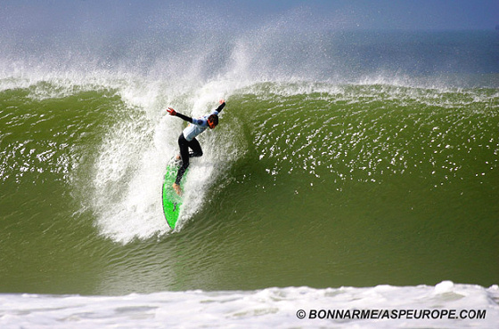 The 2009 Rip Curl Search is rumoured to be held at Supertubos in Portugal