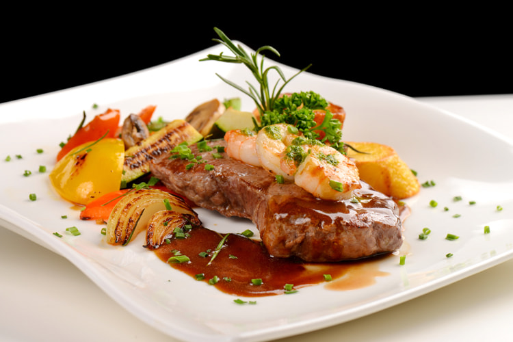 Surf and turf: a meat-and-seafood dish that has been revamped, improved, and included in a few high-end restaurants by new-generation chefs | Photo: Creative Commons