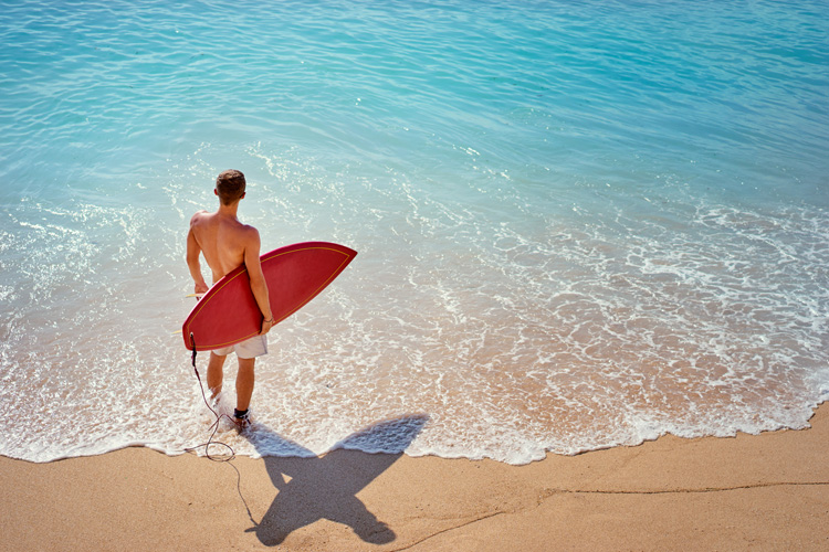 Surfing: a powerful tool against suicidal thoughts | Photo: Shutterstock