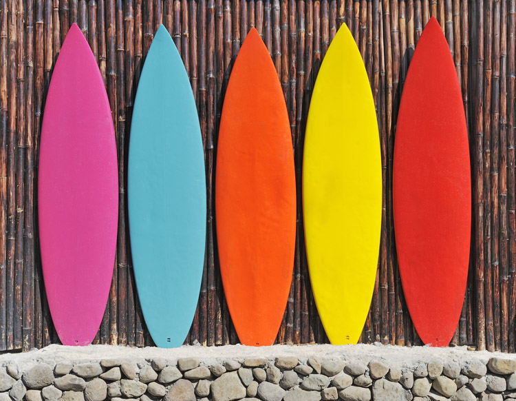 Surfboards: ask yourself a few questions before making a final buying decision | Photo: Shutterstock