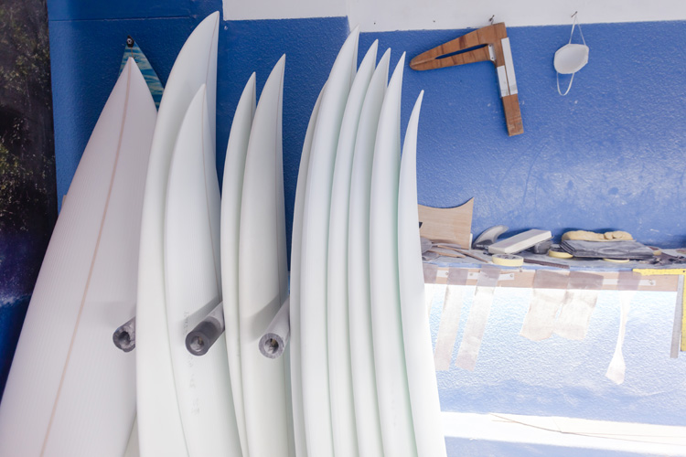 Surfboard foam blanks: choose between polyurethane, polystyrene, expanded and extruded polystyrene foam | Photo: Shutterstock