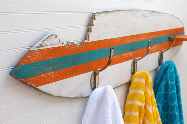 Coat and towel hanger: hang five or ten | Photo: Haven America