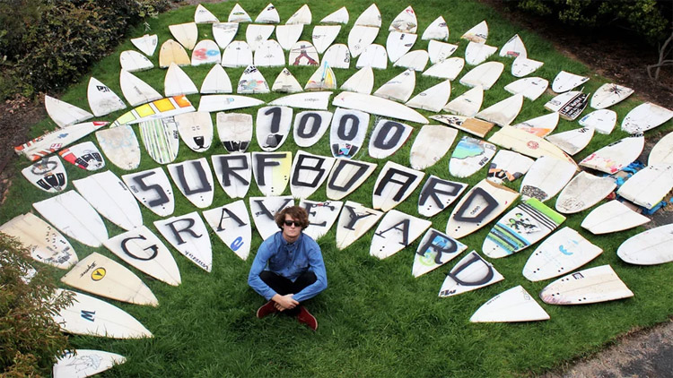 Trashed surfboards: always a useful material for contemporary art installations | Photo: Chris Anderson