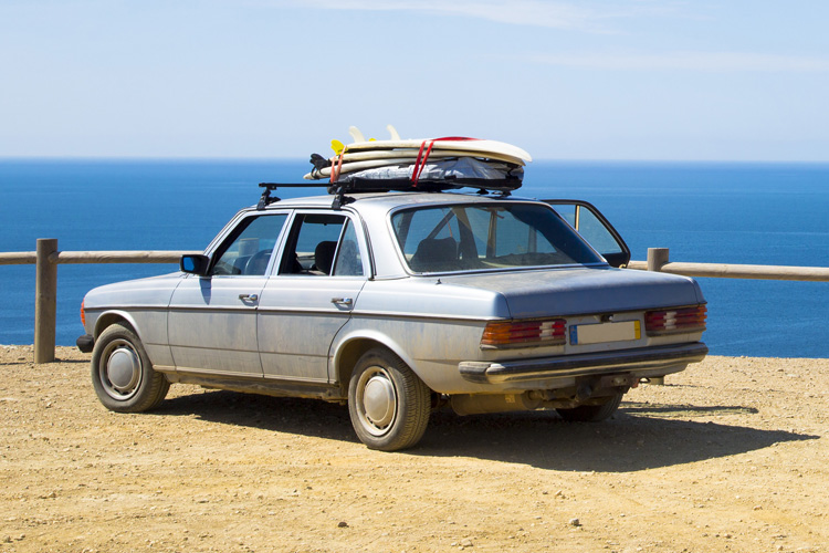 Surfing: learn where to put your car keys | Photo: Shutterstock