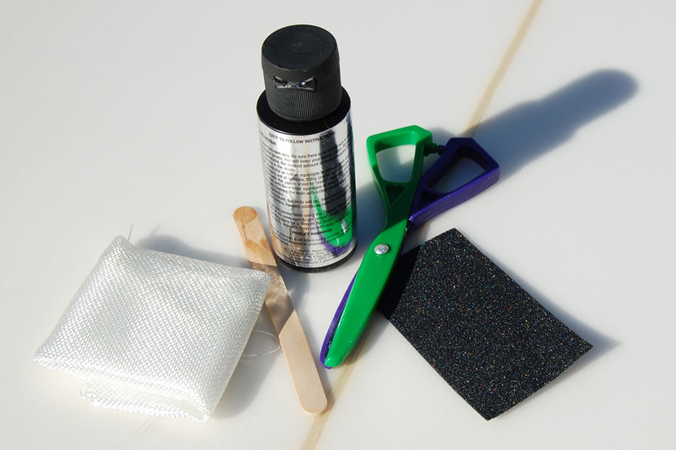 Surfboard ding repair kit: do it yourself | Photo: Surfertoday