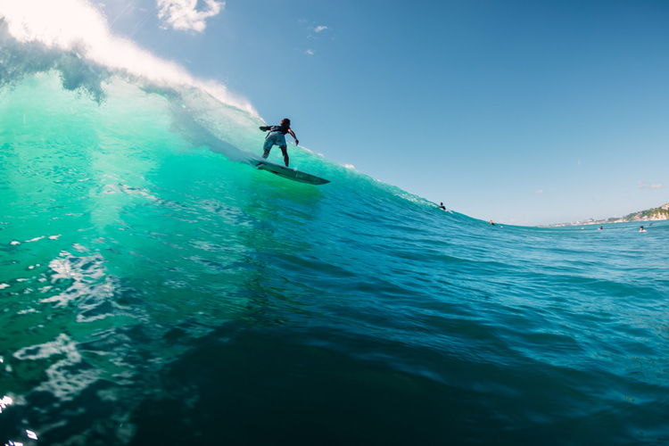 Surfing: a healthy physical activity and lifestyle | Photo: Shutterstock