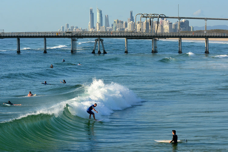 Crowded lineups: surf localism gains traction in busy surf spots | Photo: Shutterstock
