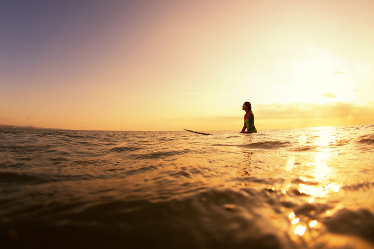 Surfing: learn how to meditate while you wait for waves | Photo: Shutterstock