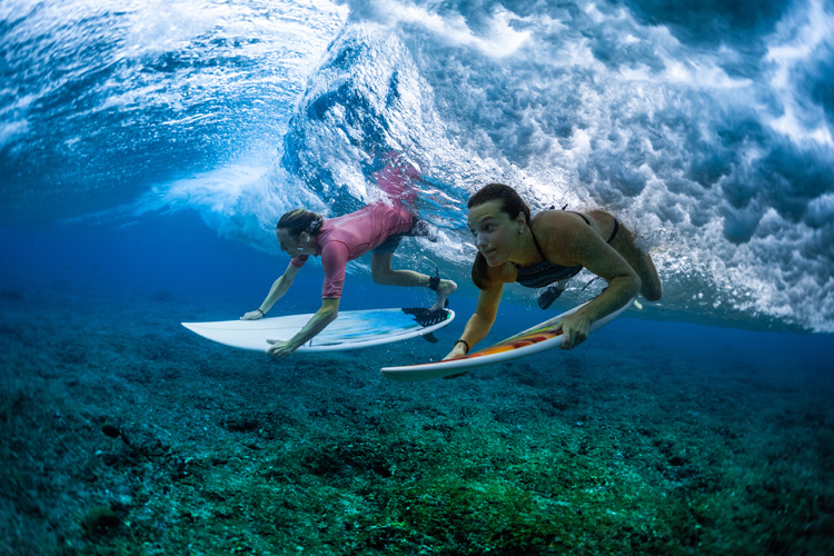 Surfers: their skin is constantly exposed to unwanted bacteria | Photo: Shutterstock