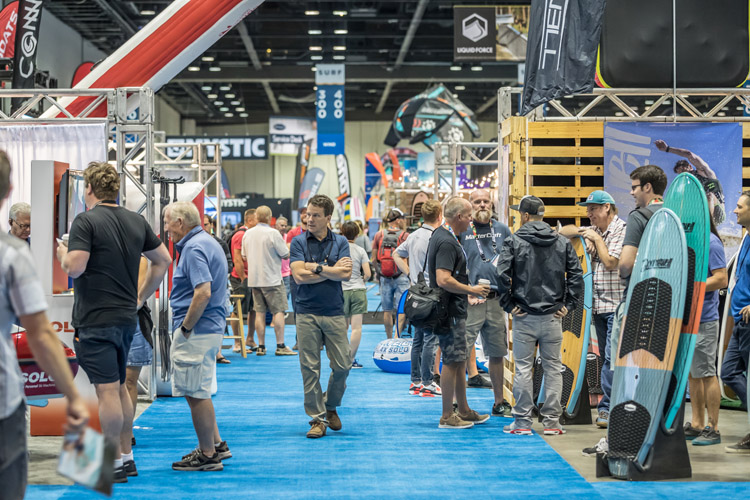 Surf Expo: the trade show features 2,500 booths | Photo: Surf Expo
