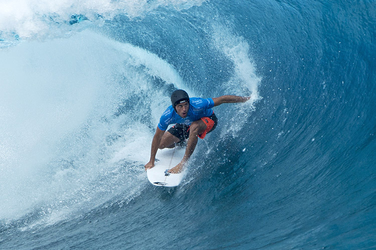 Surf helmets: nearly 40 percent of all surf-related injuries involve the head | Photo: WSL