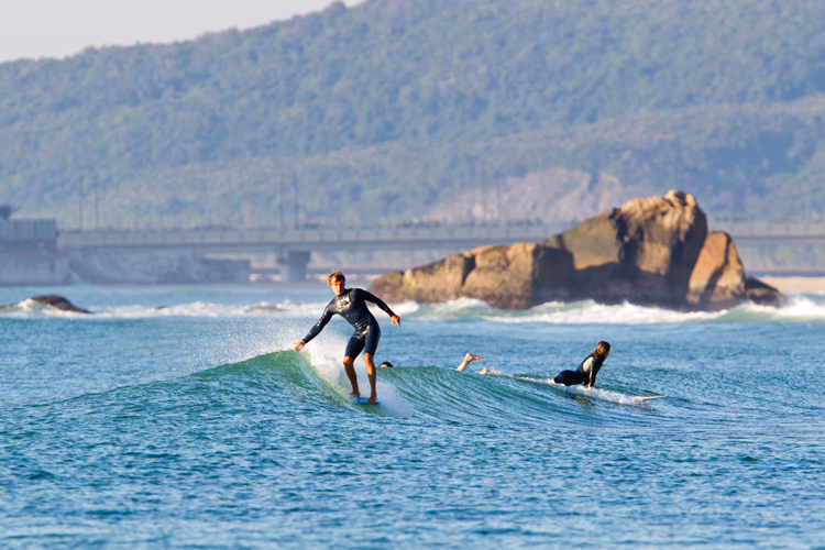 Riyue Bay, Hainan Island: one of the most popular surf spots in China | Photo: ISA