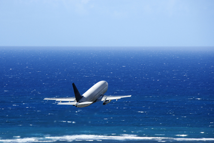 Airliners: surfboards and surfers are not always welcome