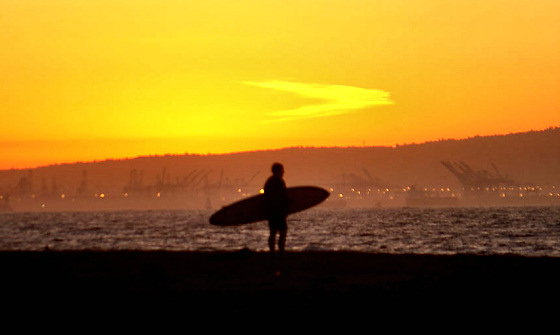 California: official home to the International Surfing Day