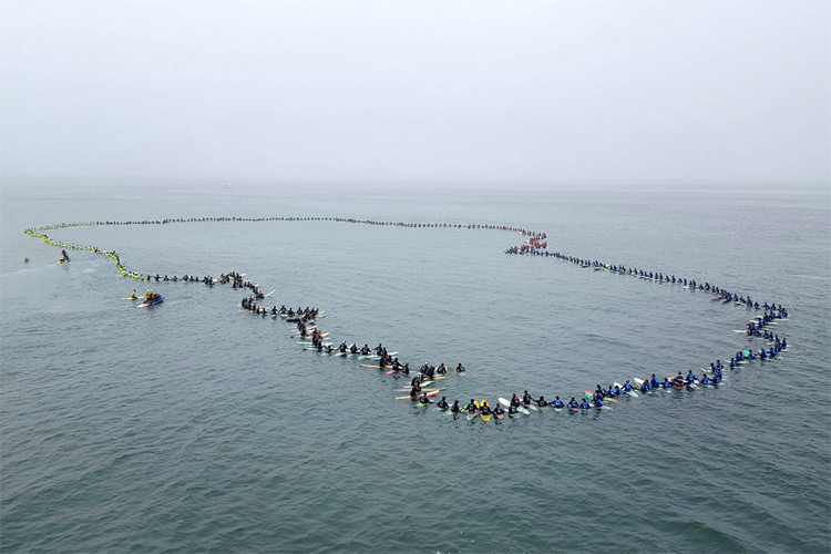 Surfing Circle of Honor: 511 surfers paddled out at Huntington Beach