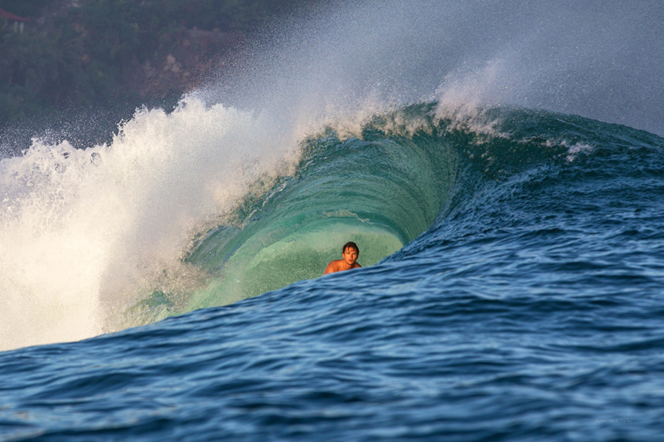 Surfing: only a surfer knows the feeling | Photo: Rip Curl