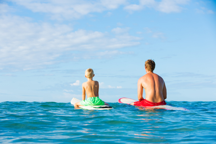 Surfing: don't let waves rule your life | Photo: Shutterstock