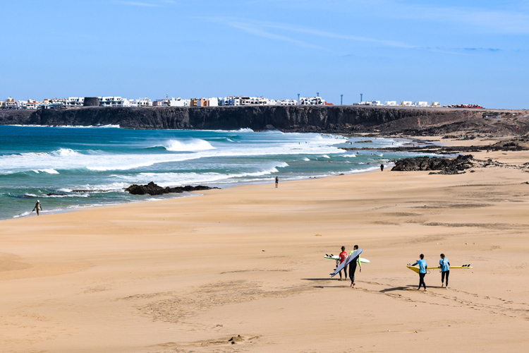 The best surf spots in Fuerteventura