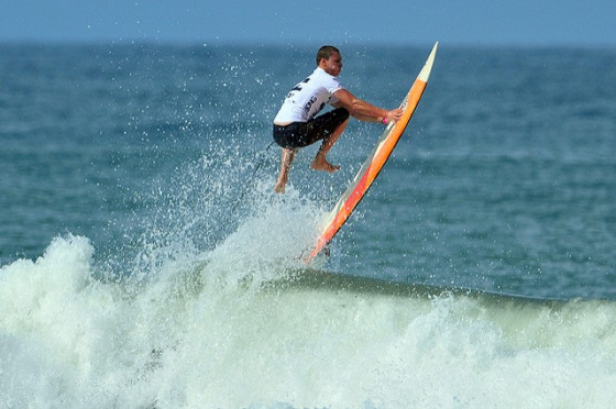 Surfing: kicking out of the Olympics, again