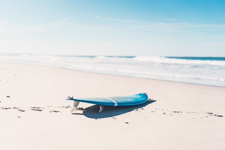 Surfing: a therapy to treat anxiety, stress, PTSD, and more | Photo: Shutterstock