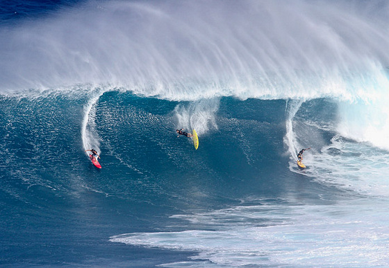 Jaws: three surfers, three destinies