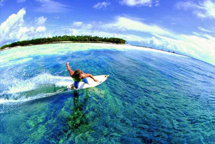 Maldives: a perfect surf spot in the atolls