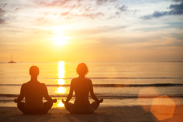 Meditation and Surfing: clear your mind and surf with your heart | Photo: Shutterstock