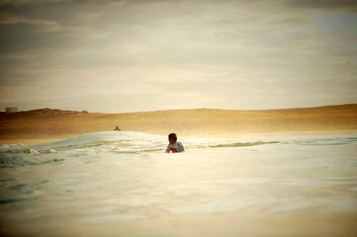 Surfing: constantly monitor your positioning | Photo: Quiksilver/Timo
