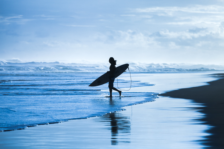 Surfing: with the emergence of VHS, so went away the packed auditoriums full of bleached-blonde teenagers on premier night | Photo: Shutterstock