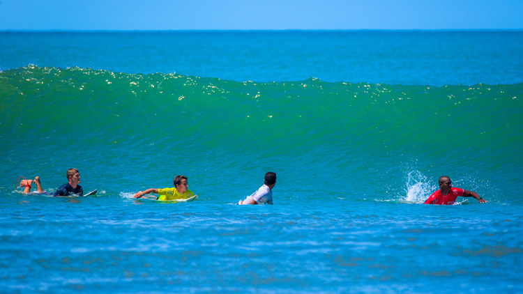 Surfing: watch out for paddling interferences | Photo: Shutterstock