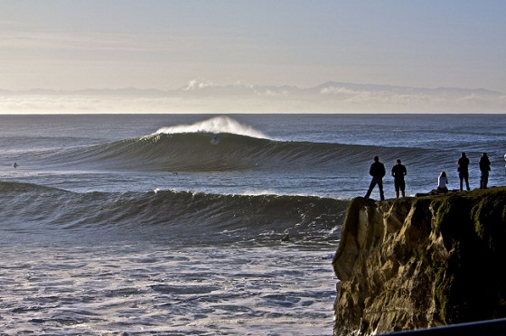 Santa Cruz: riding giants at Steamer Lane