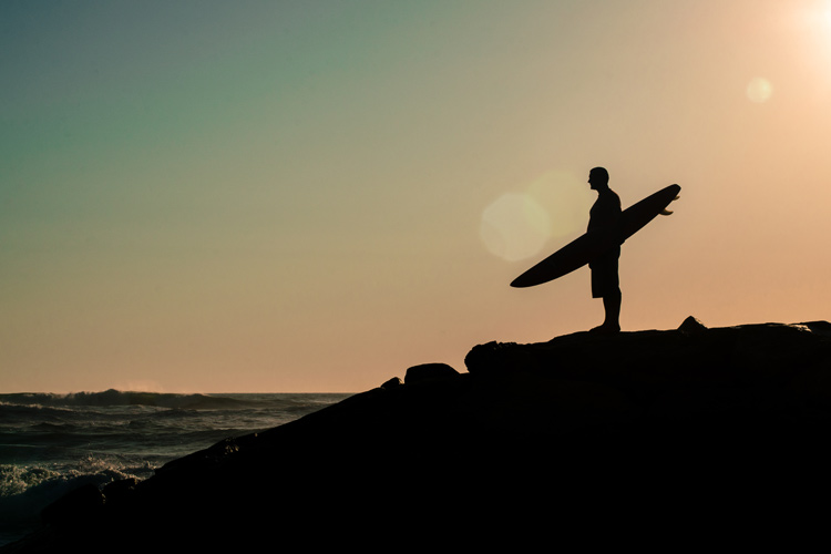 Surfer: achieving the top is also a crafty path | Photo: Shutterstock