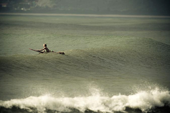Wanning, Hainan Island: surfing in the Chine Hawaii