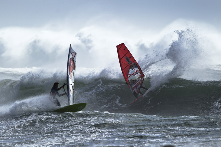 10 Reasons Why Surfers Should Own A Windsurfer