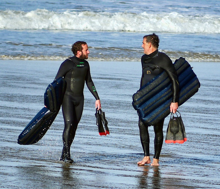 Mat surfers: discussing the best air mat shapes | Photo: UK Mat Surfers