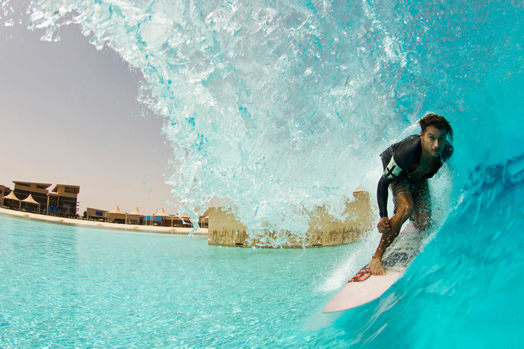 Surf pool: the future of surfing outside the ocean | Photo: Surf Park Summit