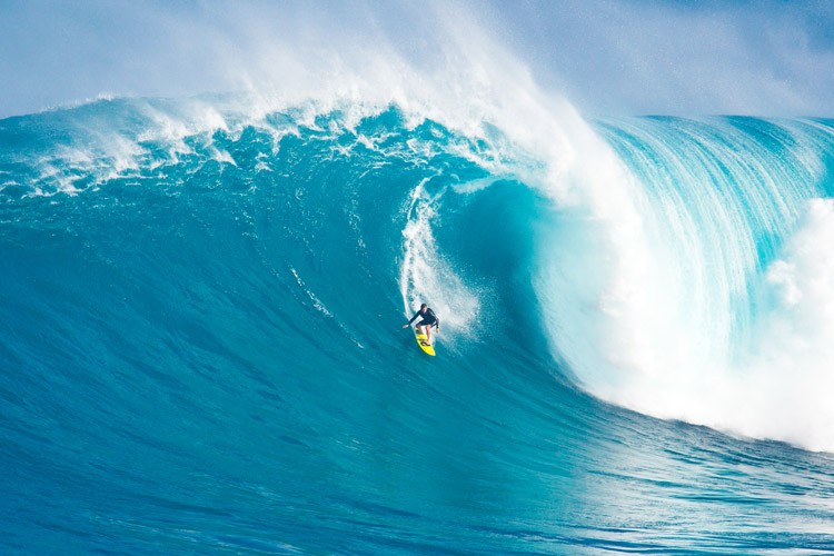 Surf photography: find the right camera angle for tube riding | Photo: Shutterstock