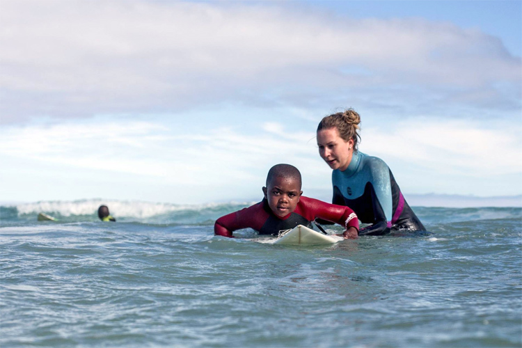 Surfpop: changing communities through surfing | Photo: Surfpop