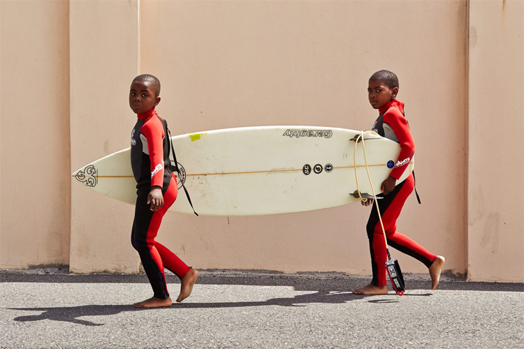Surfpop: sharing the stoke with disadvantaged boys from the Southern Peninsula | Photo: Surfpop