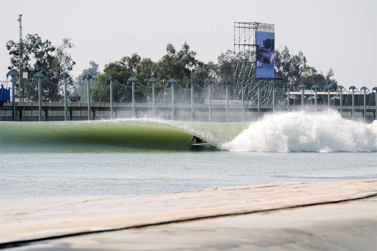 Surf Ranch: the barreling man-made wave by Kelly Slater | Photo: WSL