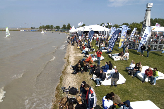 Surf World Cup: windsurfers first, then it's kite time