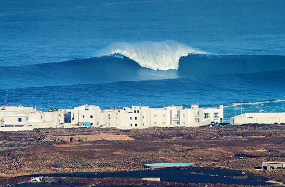 Winter Storm Hercules: reliable wave forecasts are critical | Photo: Sven Grossenbacher/Billabong XXL