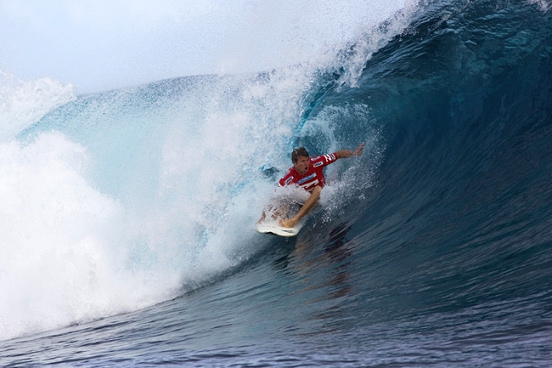 Taj Burrow in the 2009 Billabong Pro Tahiti