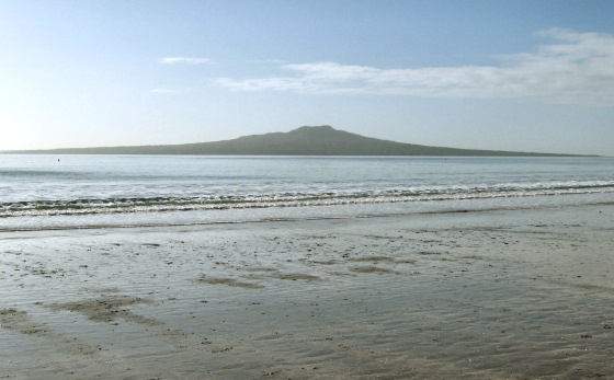 Takapuna Beach: say no to the wharf