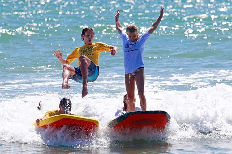 2019 Tandem Boogie Board Competition: judges wanted to see innovative tricks and wacky stunts | Photo: San Clemente Ocean Festival