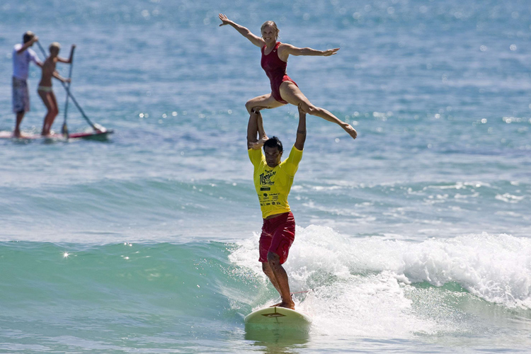 Tandem surfing: there are 68 different lifts | Photo: Noosa Festival of Surfing