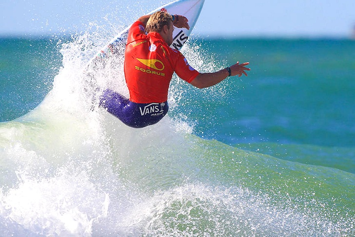 Tanner Gudauskas: attacking Lacanau | Photo: ASP/Laurent Masurel