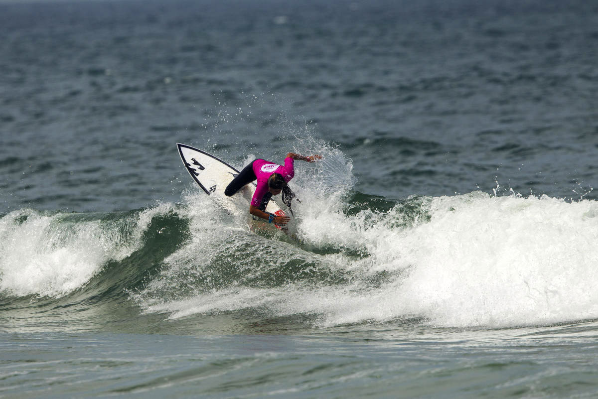 Teresa Bonvalot: the 2017 European Junior surfing champion | Photo: Lodin/WSL